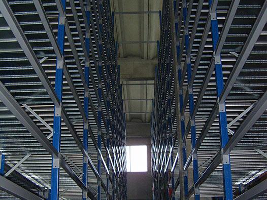 Scaffalature metalliche portapallet per magazzini